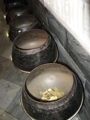 Begging bowls, Wat Po
