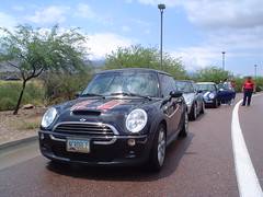 Roosevent run 7-29-06  - 1st regroup stop - rest area on 188 (bigcoyote33) Tags: red arizona lake black rain ghost mini roosevelt cooper plaid mcs dmc r53