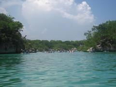 IMG_8254 (Rob Igo Photography) Tags: people lake playing group large cancun xelha scoopt
