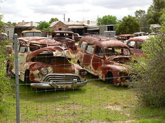 Australia - South Australia - Terowie - Rusty Old Cars - 01 (Michael Hansen's Hikes) Tags: cars michael australia vans junkyard hansen southaustralia oldcars rustyoldcars terowie michaelhansen hansenshikes