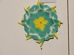 Dezembro 062 (Atelier ArthSarah!) Tags: paper origami modular japo papel bola dezembro tesoura sorte mbile tsuru dobradura longevidade dobras pendurar kudusama