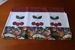 Pano de prato cerejas (ceciliamezzomo) Tags: apple kitchen de cherry cherries dish handmade pano towel apples patchwork prato cozinha cereja cerejas ma mas