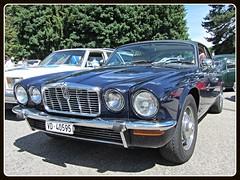Jaguar XJ V12 5.3, 1977 (v8dub) Tags: auto old 3 classic car schweiz switzerland automobile suisse 5 automotive voiture v oldtimer british jaguar 12 oldcar 1977 collector xj youngtimer wagen pkw klassik grandvillard worldcars