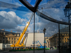 Two Nodes de Dan Graham (Touristos) Tags: paris artcontemporain placevendme dangraham twonodes fiachorslesmurs