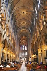 . (Paco Jareño Zafra) Tags: paris de casa monumento interior religion catedral iglesia cruz iglesias notre dame cupulas arco cupula virgen iluminacion monumental nuestra señora