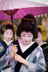 (byzanceblue) Tags: pink red white classic girl beautiful beauty japan lady umbrella japanese kyoto purple bokeh traditional style maiko geiko geisha wig   kimono gion trio mode trad   satsuki