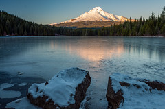 Mount Hood over Trillium Lake (_behindtheviewfinder_) Tags: winter oregon frozen us unitedstates mounthood trilliumlake governmentcamp