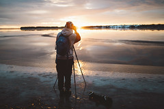 Martin catching todays sunset (DrowsyPotato) Tags: sunset sunsets glow bokeh nature winter cold ice snow people friend sony ilce7rm2 fe 35mm f14 za distagon tones mood moody tone