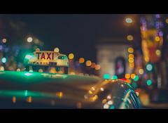 Paris - Champs-Élysées (iesphotography) Tags: champsélysées 5d3 paris france europe vacation taxi 50mm f12 travel transport