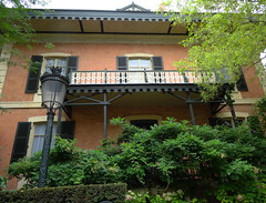 Vichy (Cherryl.B) Tags: vichy allier maison chalet balcon empereur napoléon tourisme