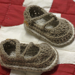 Small things  - booties crocheted with yarn dyed in a little tea (slow.learners) Tags: crochet babybooties naturaldye