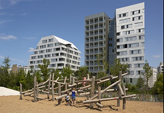 Жилой комплекс Macrolot E10 в Париже от aasb_agence d'architecture, MAAST, TOA Architectes и David Besson-Girard Paysagiste