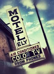 Vintage Motel Sign, Ely, MN (danipatarazzi) Tags: vintagesigns vintagemotelsigns