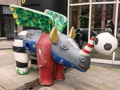 Dortmunder Nashorn-66 meets WM 2006 (Peter L.98) Tags: canon rhino dortmund s110 wm2006 nashorn loveparade2008