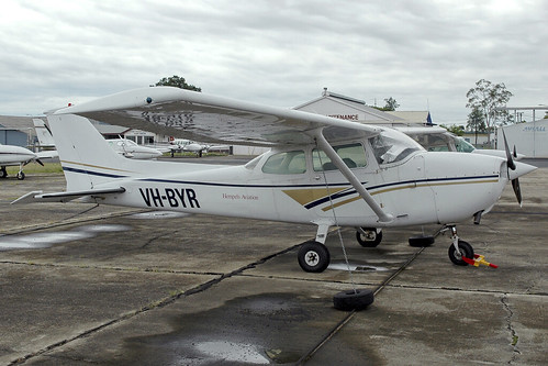 VH-BYR Cessna 172N Skyhawk II Royal Queensland Aero Club (RQAC)