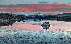 Dawn on the Moors II (Jerry Fryer) Tags: rannochmoorsunrise scottish highlands cabers tossing nearglencoe twilight reflections frosty reeds rocks snowcoveredmountains sky clouds pink heather 5dmk2 leefilters