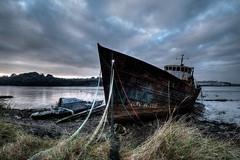 The wreck of the Monkleigh, Instow, North Devon (Aliy) Tags: wreck boat ship oldboat oldship instow appledore devon northdevon rusty rusting catamaran wrecked estuary torridge river evening eveninglight prow mooringlines abandoned boats monkleigh themonkleigh explored