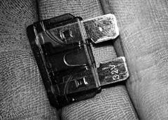 32V (stempel*) Tags: polska poland polen polonia gambezia macro makro 7dwf cellular hand fingers 32v bezpiecznik fuse