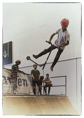 anti gravity kids (ChristianMandel) Tags: sonya7 ilce7 kickboard ramp jump halfpipe sonnartfe35mmf28za voigtländer15mmf45iii