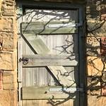 Door in the wall #yorkshiresculpturepark @yspsculpture
