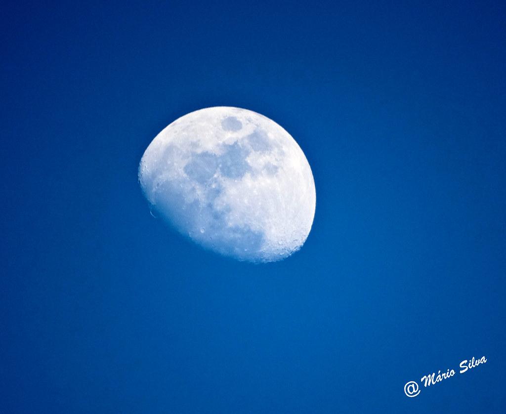 Águas Frias (Chaves) - ... lua em pleno dia ...