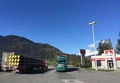 (Ian Threlkeld) Tags: semitruck bc chilliwack truckstop trucking