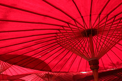 Red Umbrellas - Chiang Mai - Thailand (Rogg4n) Tags: travel red abstract monochrome umbrella thailand asia graphic sunshade chiangmai minimalism canoneos100d efs18135mmf3556isstm