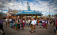 Oktoberfest 2015 (Snappy .) Tags: oktober beer germany munich mnchen deutschland outdoor wiesen oktoberfest bier funfair wiesn theresienwiese 2015