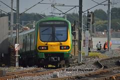29012 departs Connolly, 28/9/15 (hurricanemk1c) Tags: dublin irish train rail railway trains commuter railways caf irishrail 2015 connolly iarnród éireann iarnródéireann 29012 class29000 1040pearsemaynooth newcomenjunction