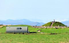 Cairnpapple   (15) (lairig4) Tags: scotland hill historic prehistoric bronzeage neolithic henge westlothian cairnpapple bathgate torphichen