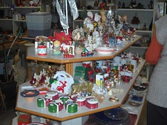 """mercatino straordinario dicembre 2015 preparazione  (6) • <a style=""""font-size:0.8em;"""" href=""""http://www.flickr.com/photos/127091789@N04/23145452399/"""" target=""""_blank"""">View on Flickr</a>"""