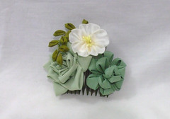 DSCF5903 (EruwaedhielElleth) Tags: flowers flower hair handmade fabric hana accessory tsumami kanzashi zaiku imlothmelui