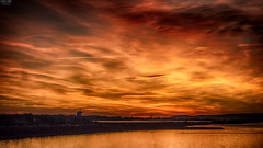 Burning Sky (​j૯αท ʍ૮ℓαท૯) Tags: darksky cloudy cloudscape seascape burning sunset reflects reflejos reflections reflets nice colorful colors colores couleurs