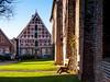 Sonniges Plätzchen (@DinAFoto) Tags: otterndorf nordsee northsee sonne sun sunny place kirche church blauerhimmel bluesky geschichte history fachwerk haus
