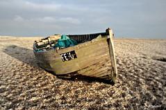 Dungeness Life  IX (www.hot-gomez-fotografie.de) Tags: dungeness kent kentlife uk beach shale boat ruin relic rotting old fishing nikon