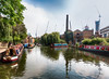 Heavy traffic (Paco CT) Tags: barca canal construccion construction infraestructura infrastructure nonbuildingstructure obracivil reflejo transporte boat bote reflection transportation london unitedkingdom gbr outdoor pacoct 2017
