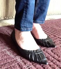 IMG_2994-1s (JessicaReM) Tags: blue black skinny cd crossdressing transgender jeans heels denim trans transgendered crossdresser pleated crossdressed kittenheels kittenheel skinnyjeans