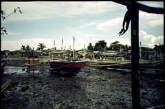 Low Tide (yap_0116) Tags: kodak olympus xa2 epson 100 ultima 2015 julyaugust gt9300uf