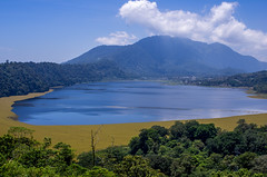 IMGP2495 (vivosi8) Tags: bali lake indonesia island pentax ile k5 dieux indonésie gobleg danaubuyan danautamblingan gobleghill