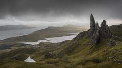 Storr (Bastian.K) Tags: schottland scotland sky filter skye isle himmel wolken old man storr stone rock formation rocks sony a7rii a7rm2 alpha7mk2 alpha7 zeiss carl lens lenses loxia3520 wow