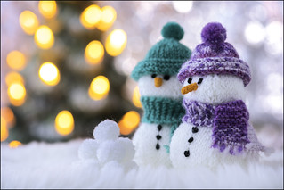 Macro Mondays - Holiday Bokeh - Knitted Snowmen (In Explore 20 Dec 2016)