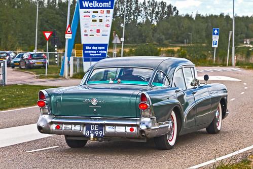 Buick Special 4-door Sedan 1957 (0931)