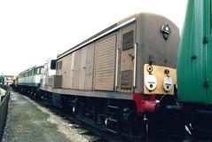 D8233_Crewe_July2001 (Mr Ratty) Tags: 15 bth crewe paxman