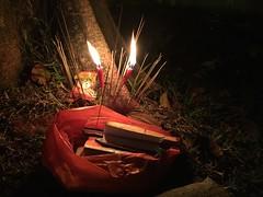 Offering (Tony Edmonds) Tags: singapore candle flames candlelight sg photostream draycott 3752 iphone6 52weeksofpix2015