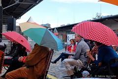 Radio Eins Parkfest Tag 11  (016) (Sockenhummel) Tags: fuji finepix fujifilm regen rbb x30 schirme 2015 zuschauer zuhrer umsonstdraussen parkfest radioeins umsonstunddrausen parkamgleisdreieck fujix30 radioeinsberlintalk