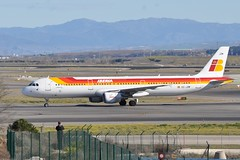 EC-JZM   MAD (airlines470) Tags: airport msn mad iberia a321 2996 ecjzm a321212