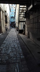 Ruelle/cour intérieur, quai de rive neuve (Jeanne Menjoulet) Tags: marseille ruelle courintérieur quaideriveneuve quaidurire