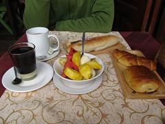 """Luang Prabang: petit déjeuner français. Décevant! <a style=""""margin-left:10px; font-size:0.8em;"""" href=""""http://www.flickr.com/photos/127723101@N04/23782542771/"""" target=""""_blank"""">@flickr</a>"""