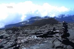 Paysage - Piton de la fournaise (Laura-M.) Tags: paysage ile de la réunion reunionisland island iledelaréunion canon canoneos700d canon700d 700d volcan piton fournaise pitondelafournaise nuages cloud nature couleur color ciel sky bleu blue