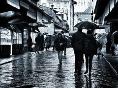 old bridge (paddy_bb) Tags: paddybb italien italy olympusomd street rain bw florenz tuscany toskana 2017 florence decay cityscape pontevecchio